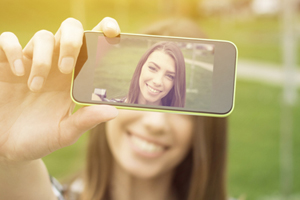How to See Others In a Selfie World small